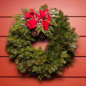 Traditional wreath with statice